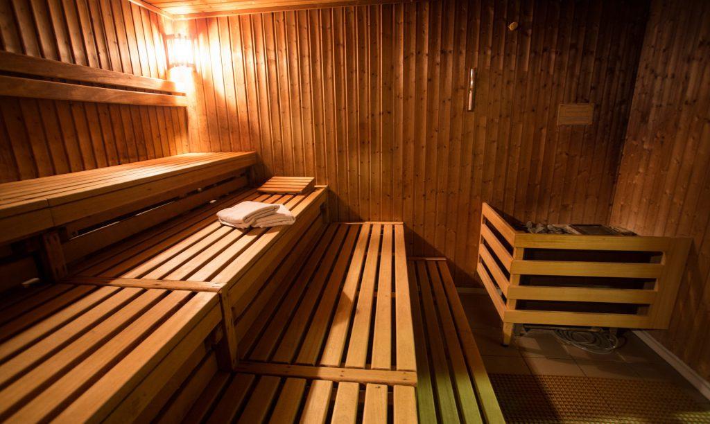 Eifel Wellness in der Sauna geniessen