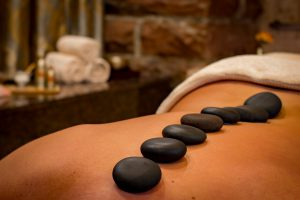 Sauna und Massage - so fühlt sich Eifelwellness an